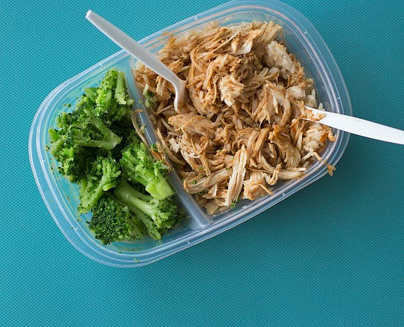 Microwave-safe meal prep containers - lunch box chicken and broccoli