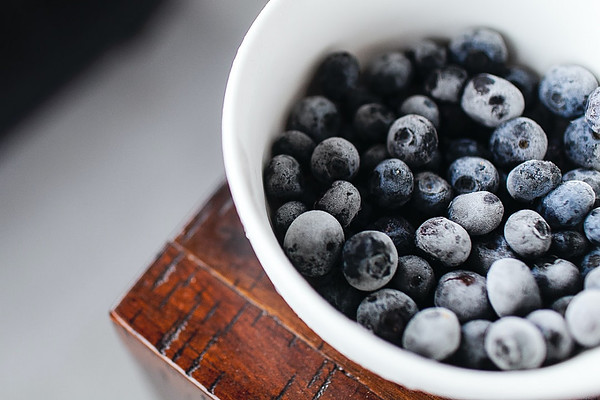 What foods should not be microwaved? - Frozen blueberries in bowl