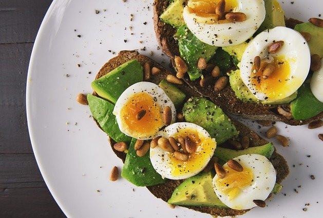Healthy toast toppings -  Avocado, toast and egg