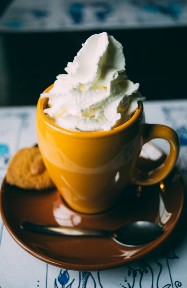 How to make a healthy dessert - mug with whipped cream