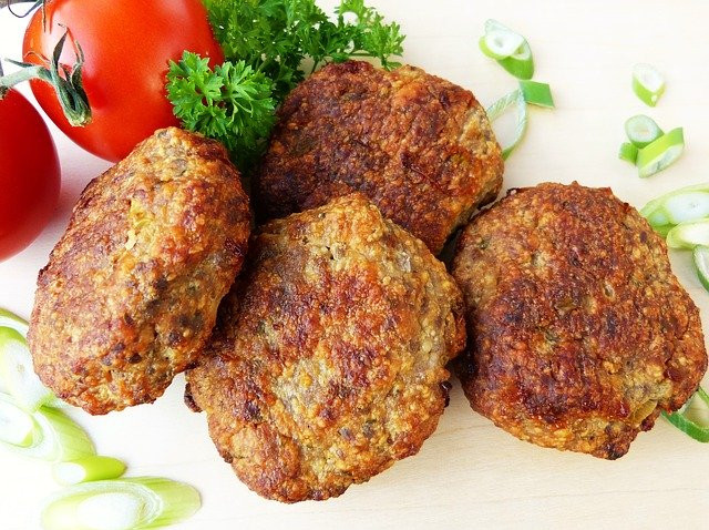 Best ways to use protein powder -  Breaded burgers garnished with fruit